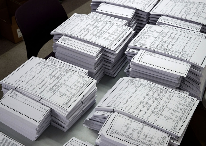 161108_EX_ballots.jpg.CROP.promo-xlarge2